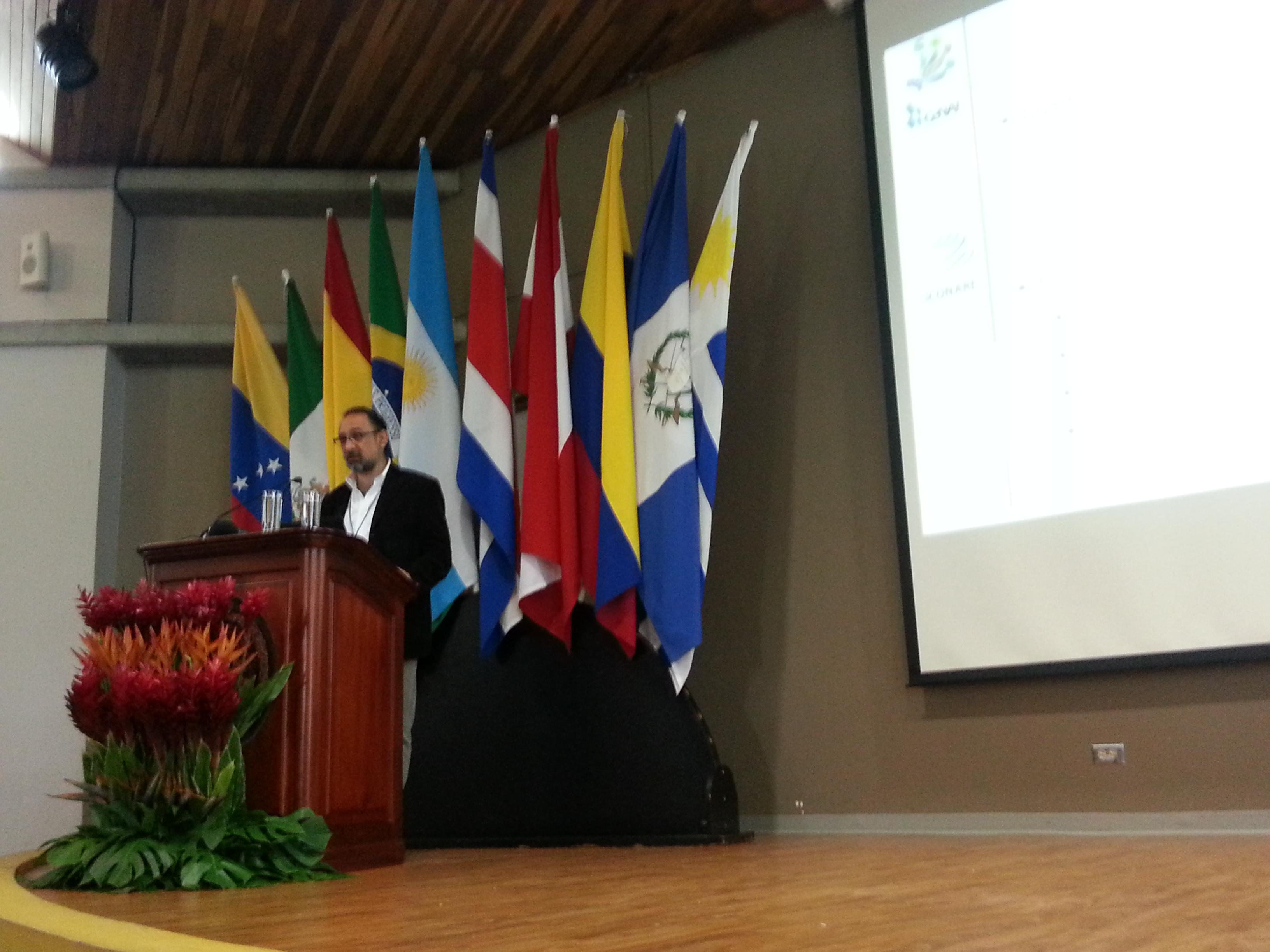 Conferencia: La Red CONARE para el desarollo de datos científicos.