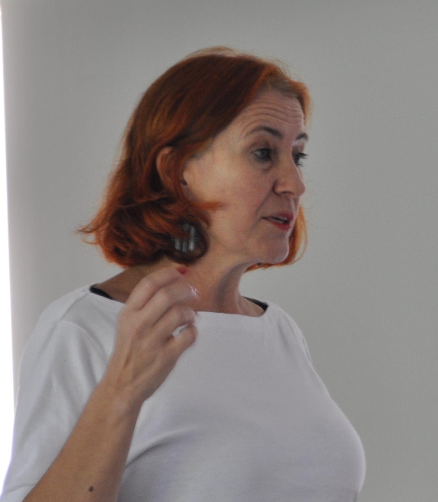 Para la Dra. Melero el Acceso Abierto permite mayor visibilidad, mayor impacto, acelaramiento del proceso de comunicación, etc.