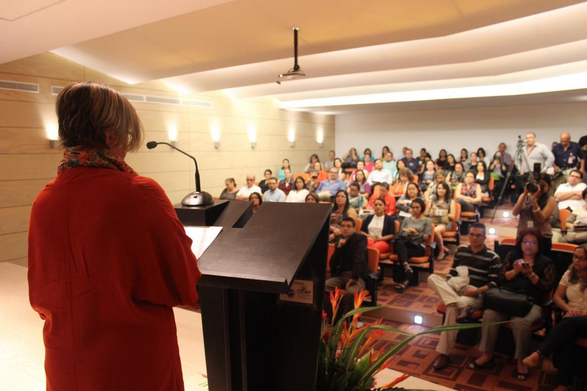 Presentación del Repositorio Nacional Kímuk a cargo de la Dra. Saray Córdoba, Marzo 2016